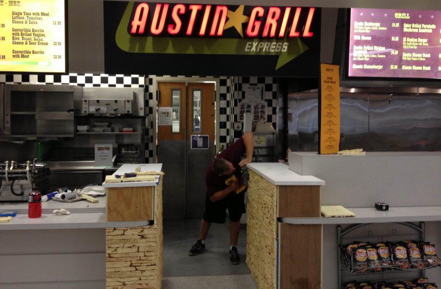 Austin+Grill+Prepares
