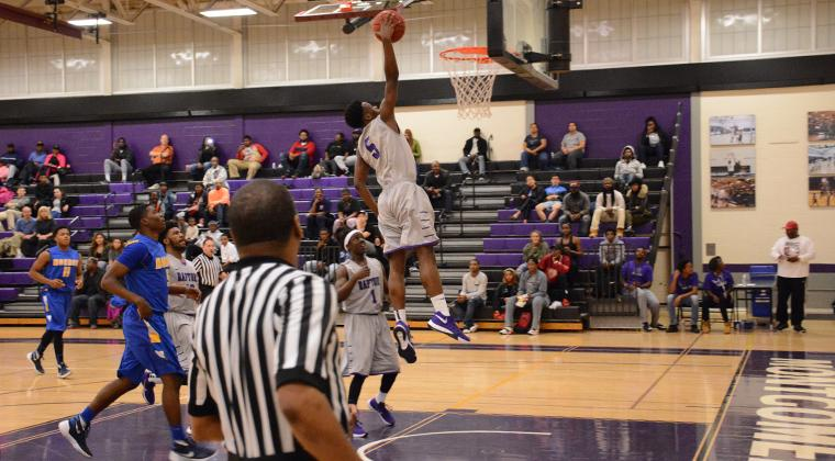 Emmanuel+Ijeh+dunking+at+the+tip-off+tournament+%0ACredit%3A+Mc+Athletics+Photography