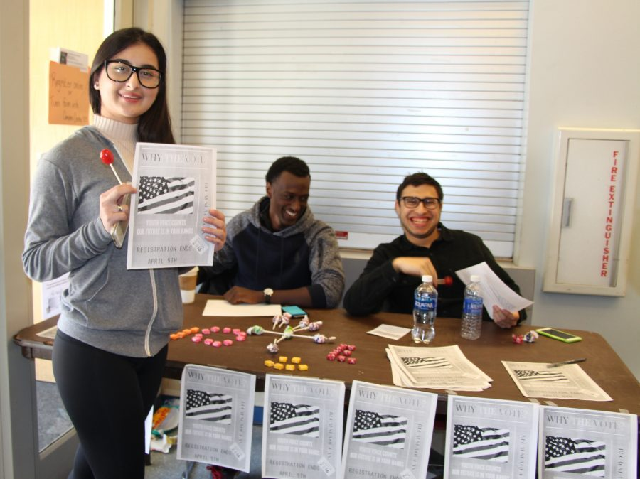 MC+Students+Assist+in+Primary+Election+Registration